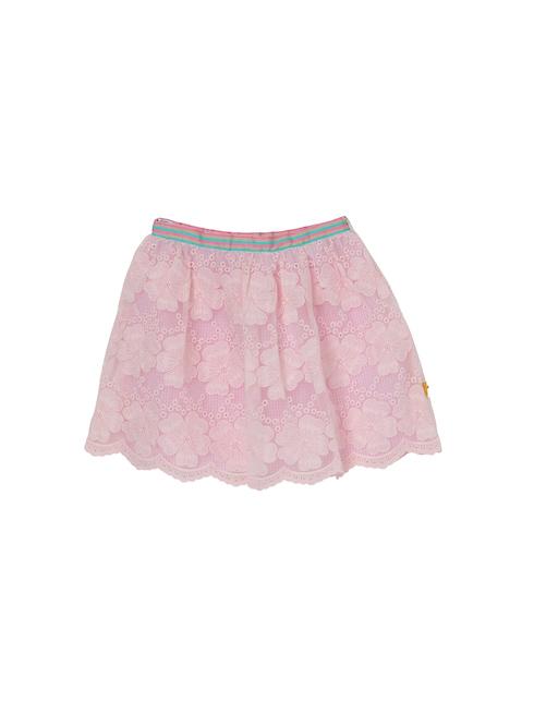 ピンクレース柄のスカートです。