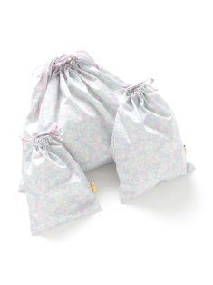 パステルフラワー柄の巾着セットです。